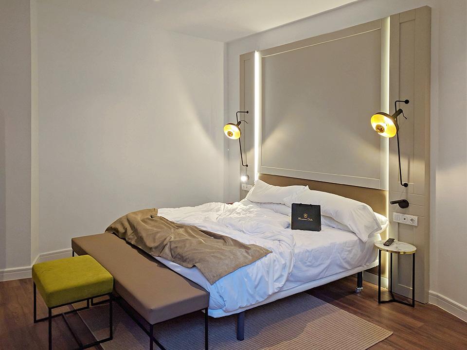 Amueblamiento de nuevas habitaciones de hotel en Palma de Mallorca