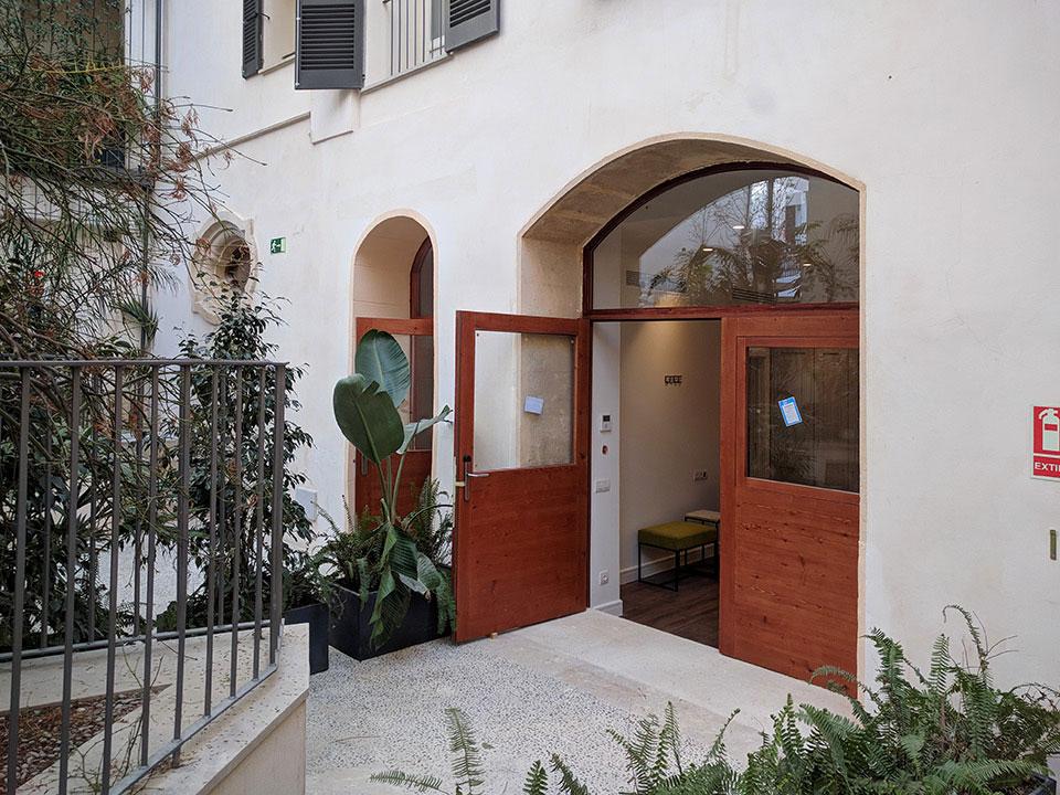 Nuevas puertas y ventanas para habitaciones de hotel en Palma de Mallorca