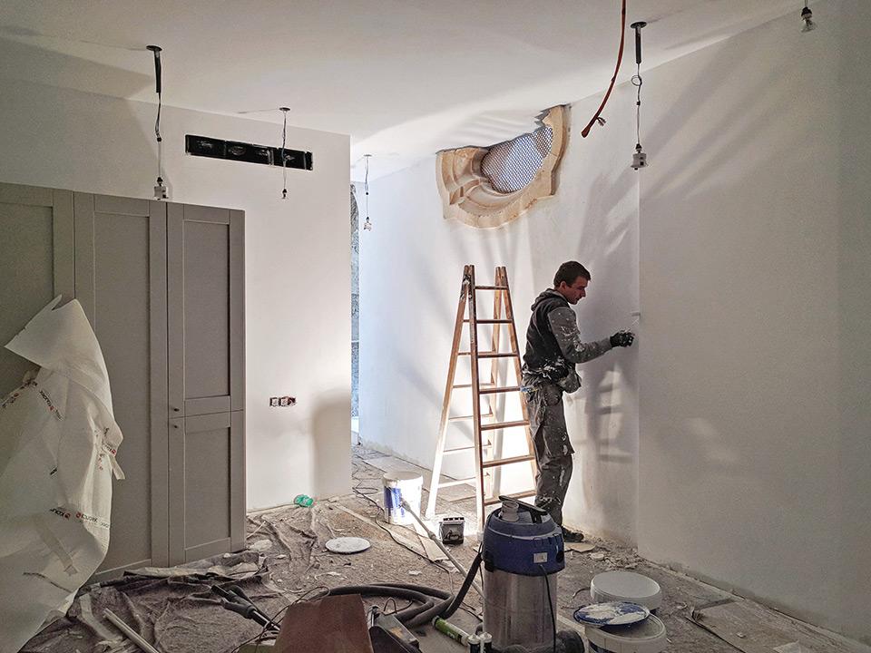 Trabajos de pintura en habitaciones de hotel en Palma de Mallorca